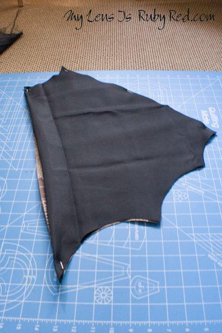 Bat Girl DIY Cape  http://mylensisrubyred.com/2011/10/21/bat-girl-costume-part-three-the-cape/