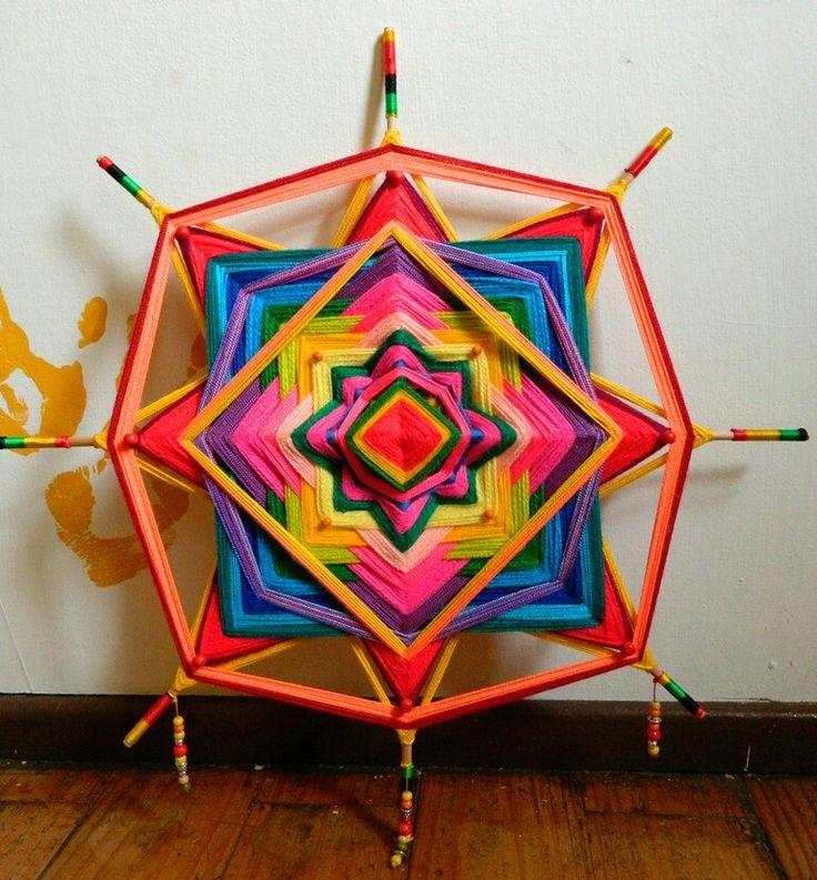Tejido Huichol, ojo de dios, mandala. Sagrada geometria.