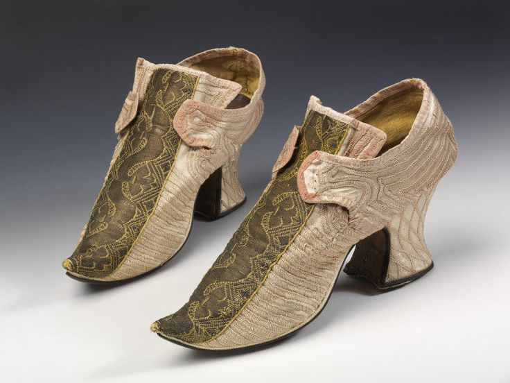 Silk, leather, and wood shoes, Great Britain, 1720s-1730s. l Victoria and Albert Museum