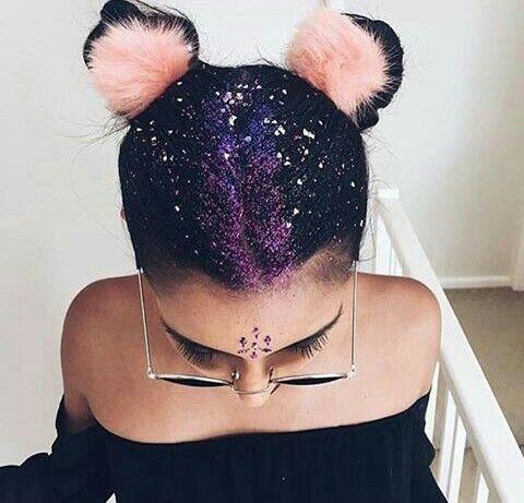 Trend Alert! ¡Ahora tu pelo brillará con las glitter roots!