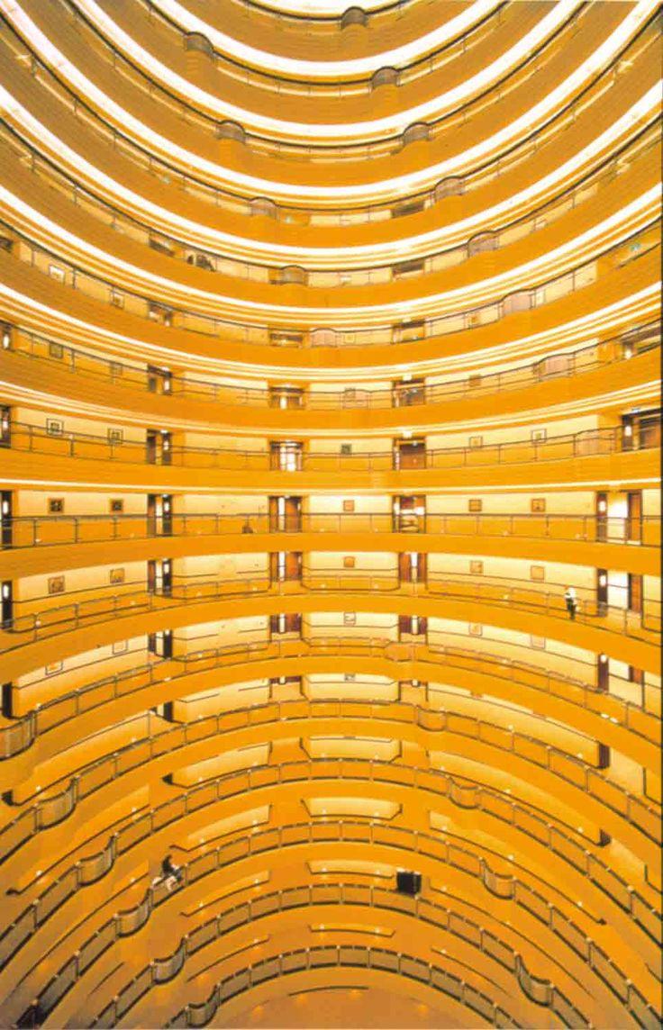 Andreas Gursky. Shanghai, 2000