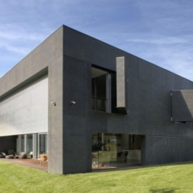 World 8217 S Safest House Incredible Contemporary Residence Designed To Be The World S Safest House Architecture Houses In Poland Zombie Proof House House