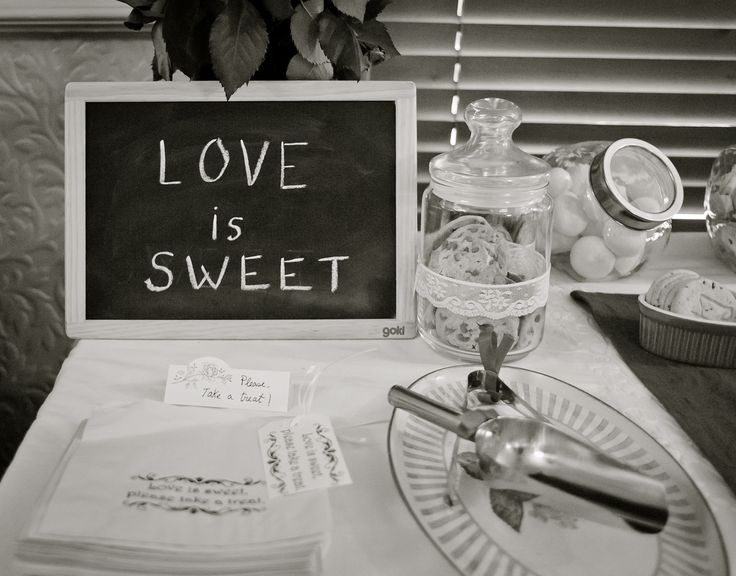 Love is sweet, take a treat!