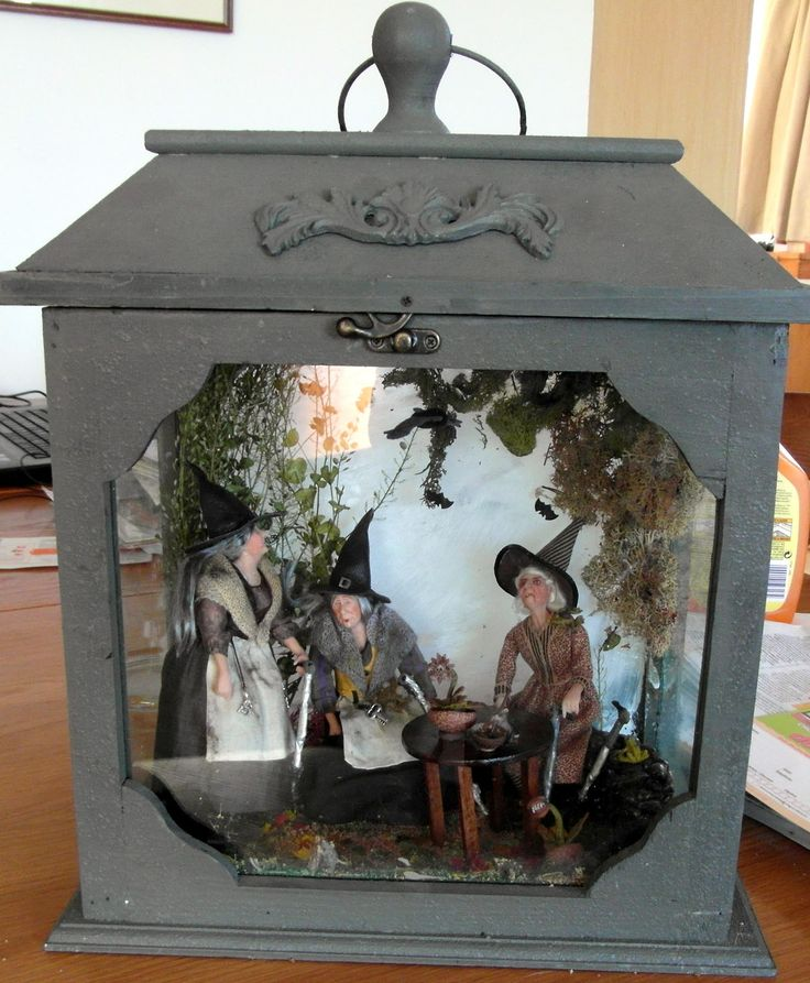 Dollhouse Miniatures Amsterdam: Witches Tea..love Putting A Minature Setting In A Lantern
