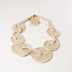 knitted necklace as a scraf