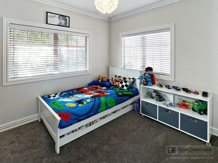 Carpet & wall covering kept clean & simple.