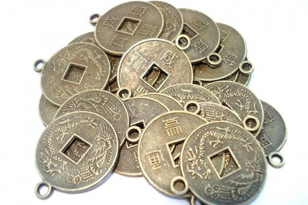 Monedas chinas atraen la prosperidad y felicidad ~ Horóscopo y Fortuna