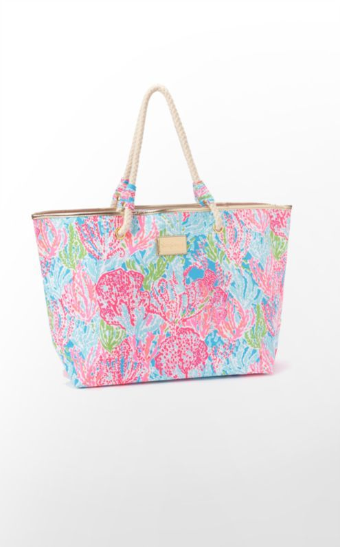 Perfect way to brighten up any outfit! Big enough to hold everything thing you need! Lilly Pulitzer Summer '13 Collection