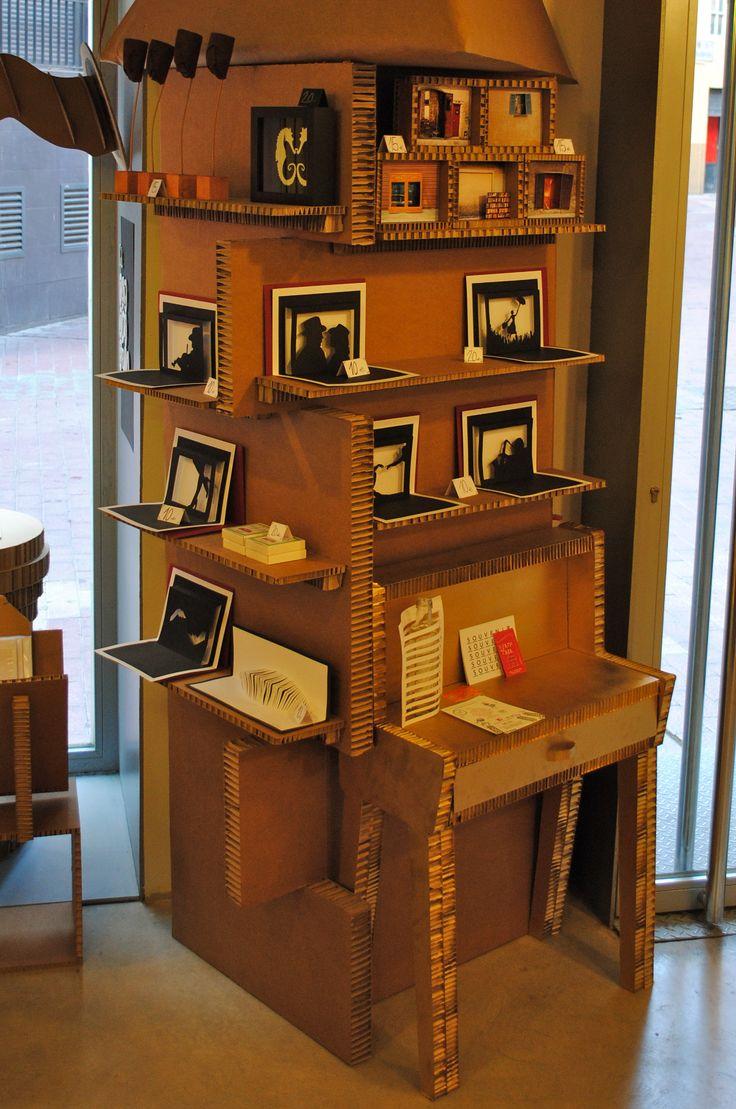 Biombo expositor en cart n nido de abeja expositores y - Biombos de carton ...