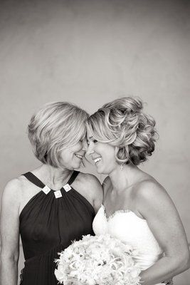 Beautiful mother daughter wedding portrait (Photo by Briana Marie Photography)