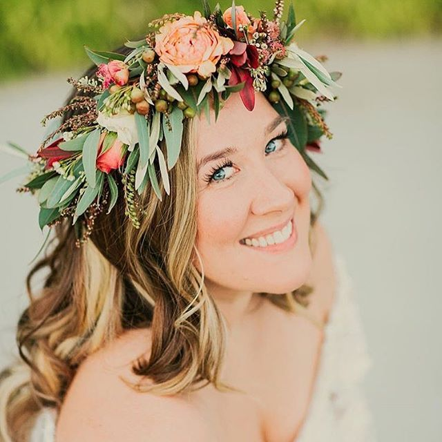 How gorg does @audiebird look in her Farmgirl flower crown?! Thanks for sharing it with us! If you're in San Francisco this Wednesday and want to make your own crown, we just opened up more spots in our class (and all upcoming classes!). Come hang out with us at our workshop in SF from 5:30-7:30pm and make your own crown for @outside_lands this weekend! Tickets are available @eventbrite. Beautiful 📷 by @elli_lauren! 👸🏻💕 #fgflove #shiplove