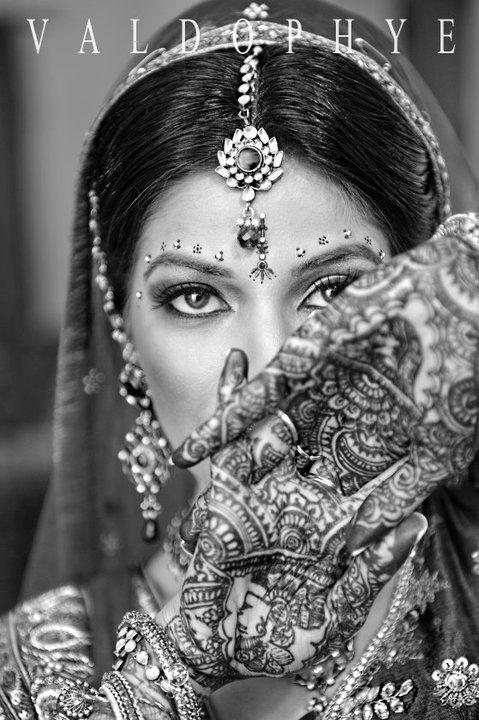 Indian Bride -dulhan #Professionalimage - follow us on http://www.pinterest.com/proimagegroup