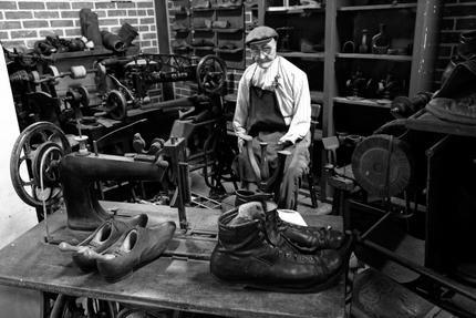 Schoenmaker: Lederstikmachine