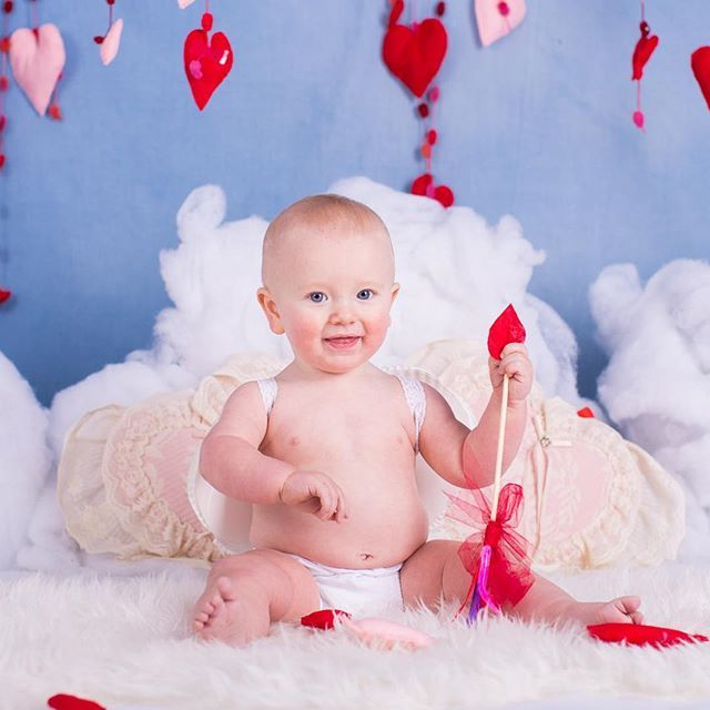 Valentine's sessions are awesome. #kseniapphotography #halifaxphotographer #halifaxfamilyphotographer #halifaxbabyphotographer #valentinesdaymini #familyphotography #hearts #baby #cutebaby