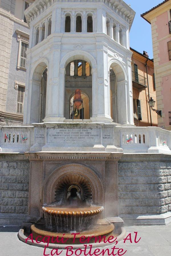 Acqui Terme. Nella piazza principale della cittadina spicca il suo simbolo conosciuta da tutti quale 'La Bollente',da cui sgorga una sorgente naturale di acqua calda tra i 60 e i 70 gradi il cui odore di zolfo rende ancora di più caratteristico l'ambiente.