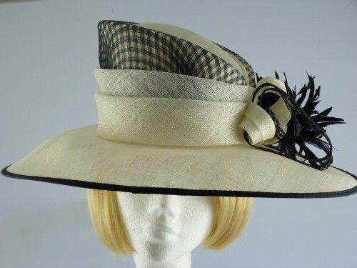 50% OFF - Cappelli Condici Cream and Black Occasion hat