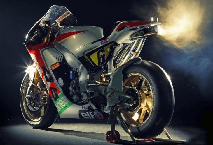 1000cc Moto GP bike puts out more than 250HP!?!!!