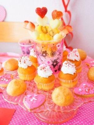 参考にしたいバレンタインデーのパーティーアイデア☆ハートモチーフをふんだんに使ったキュートなケーキスタンド♪