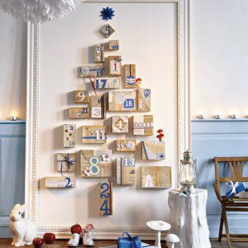 Un calendrier de l'avent comme un sapin de Noël / Advent calendar like a christmas tree with cardboard boxes