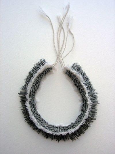 """Florence JAQUET - """"Kipik"""" -  Collier - Clous (nails), toile et fil de coton - Pièce unique - 2007  http://www.organiques.ch/images/colliers/kipik.jpg  (jewelry with nails) - DISTANCE"""