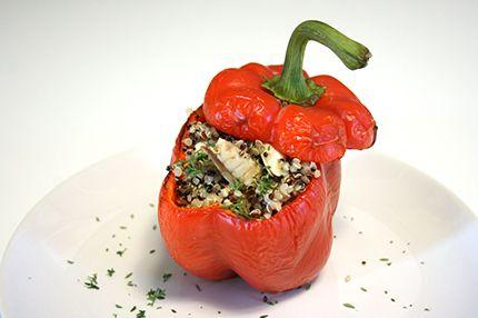 Peperone al forno ripieno di quinoa e sgombro enerzona dieta zona