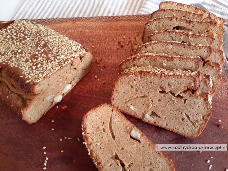 pindakaasbrood met noten-