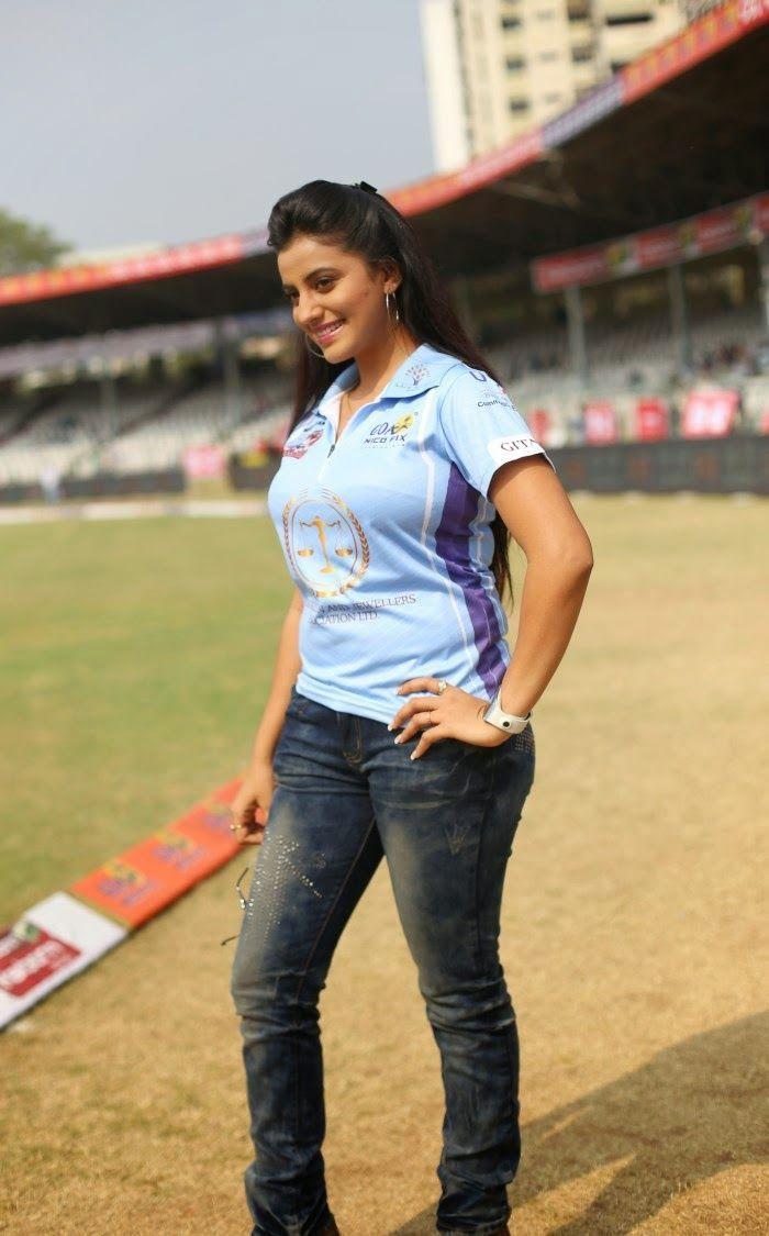 Akshara Singh Bhojpuri Actress Actresses Singh