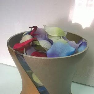 Vaso in vetro decorato con colori acrilici metallizzati Ucic ed Ecoline gold