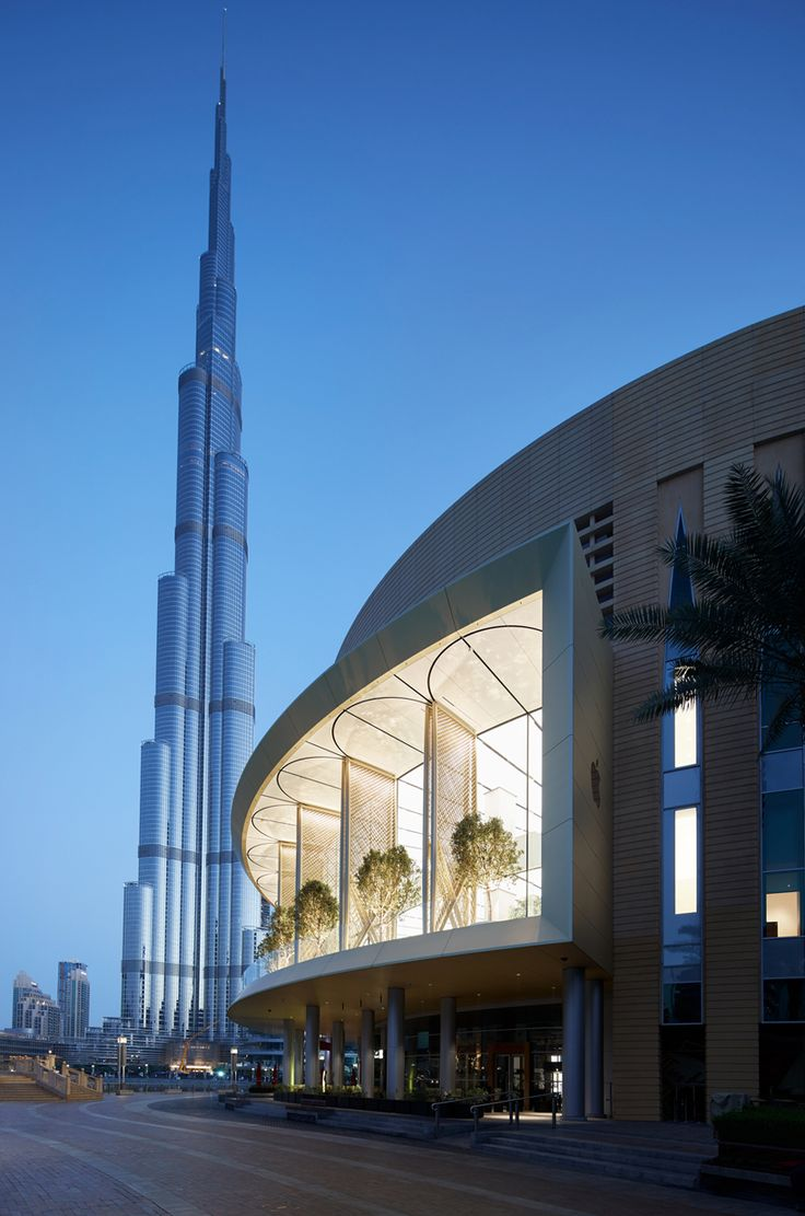 apple dubai mall by foster + partners features giant installation