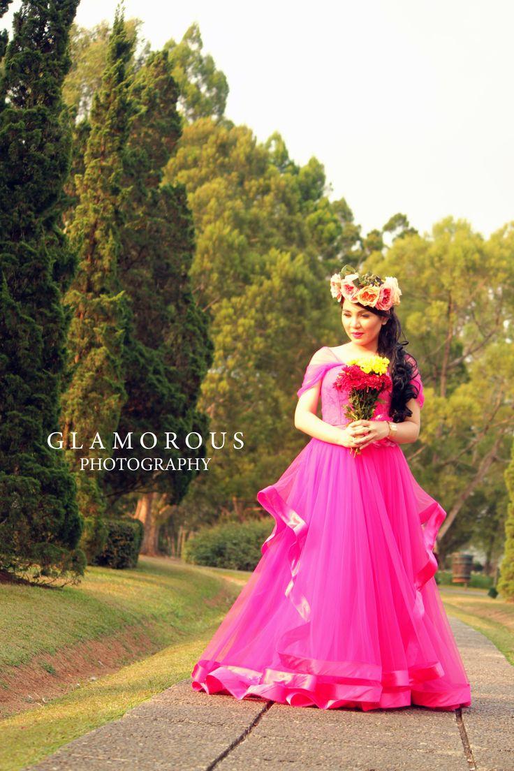 Dress up laundry kebon jeruk - Bride To Be Glamorous Photogrphy Prewedding Flower Crown