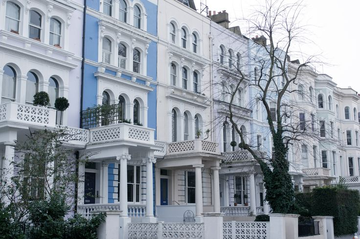 Fay City Diaries' second destination: Notting Hill. http://www.fay.com/it/city-diaries/londra
