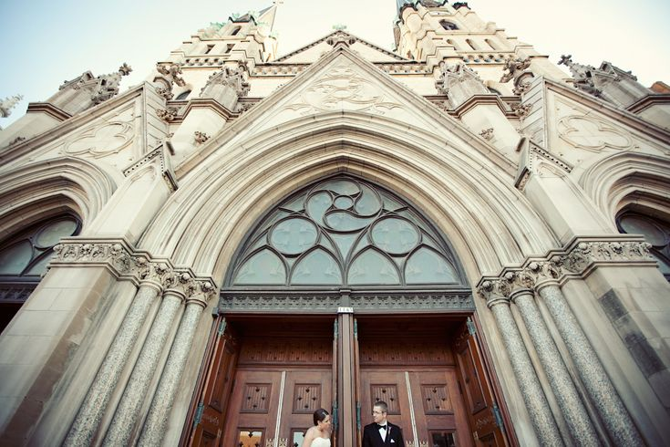 Church of the Gesu wedding, Marquette University, WI  www.woodnotephotography.com  www.woodnotephotography.net