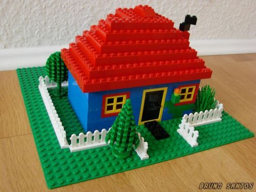 Simple House: A LEGO® creation by Bruno Santos : MOCpages.com