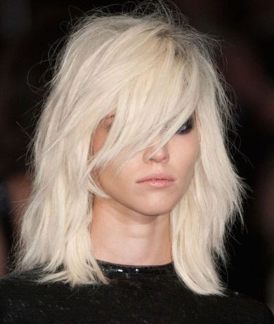 messy bob hair