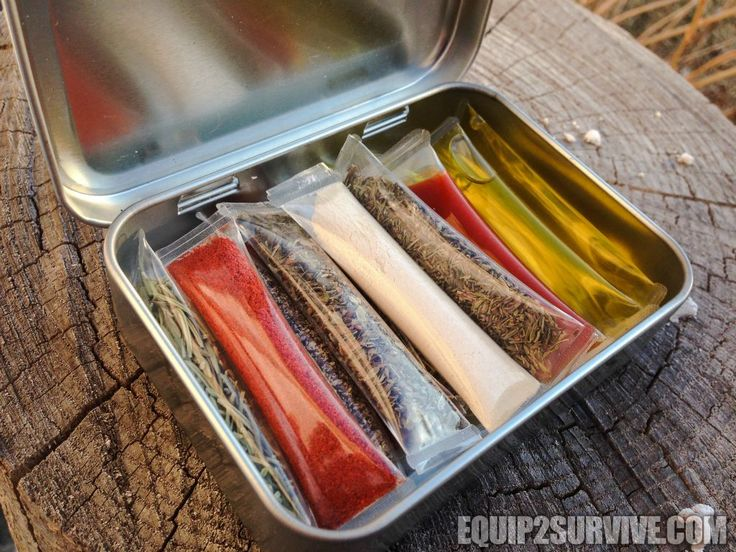 Survival Drinking Straw Containers! | DIY Straw Container Survival Spice Kit! | Did we mention how much we love our little spice kit???
