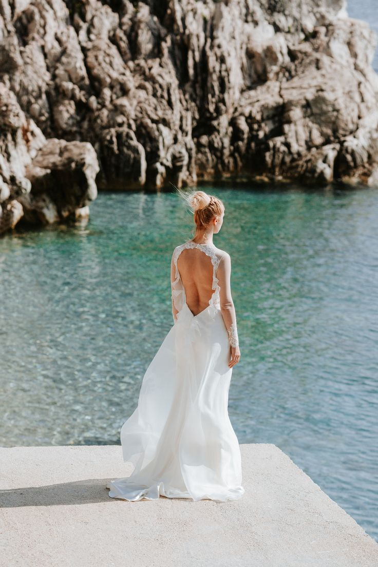 Alina / Nora Sarman Bridal / photo Pinewood Weddings