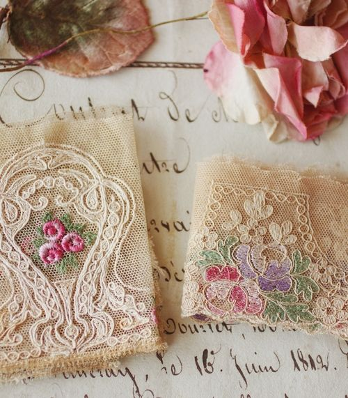 Every lady needs a lace hankerchiefBeautiful Examples, Lace Handkerchief, Random Places, Shabby Chic, Lace Hankerchief, Linens, Magazines Glamour, Pretty, Embroidered Lace