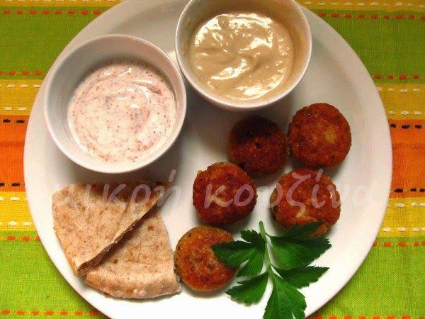 μικρή κουζίνα: Ρεβιθοκεφτέδες ή φαλάφελ με σως ταχίνι ή σως γιαούρτι