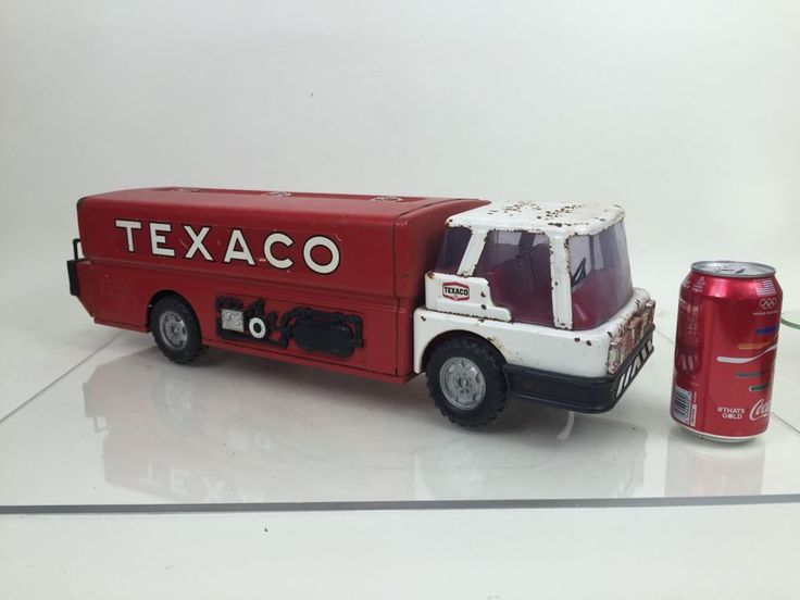 Vintage Magic Triangle Toys TEXACO Jet Fuel Truck Semi Truck Gas Tanker