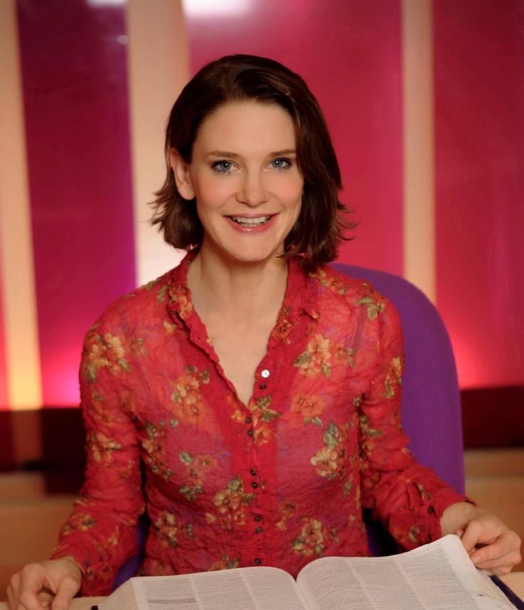 Sunday 12 March Literary Afternoon Tea with Susie Dent and Phaedra Patrick  Sushi Dent Diary of Events | Huddersfield Literature Festival