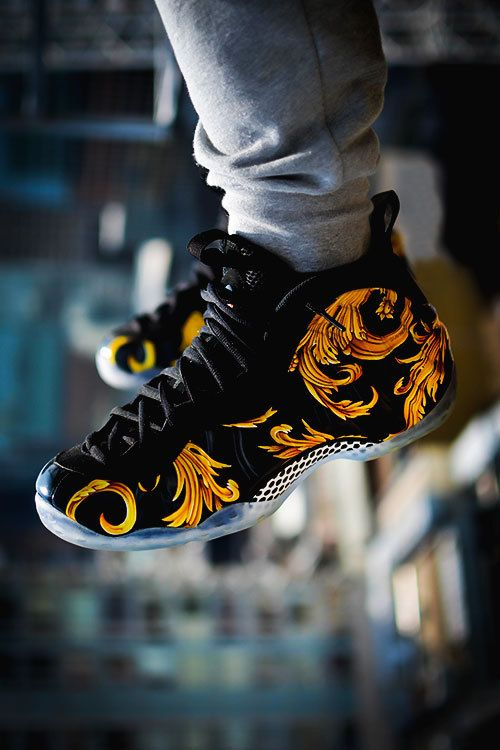 Supreme x Nike Air Foamposite One Black/Metallic Gold