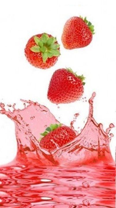 Клубничный сок Сок клубники, как и сами ягоды, отличается богатейшим составом. Чем ярче ягоды, тем больше в них полезных и питательных веществ, и тем более выраженный лечебный эффект ...