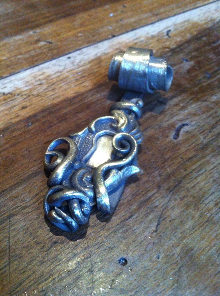 Ciondolo serratura abbracciata forchetta arg