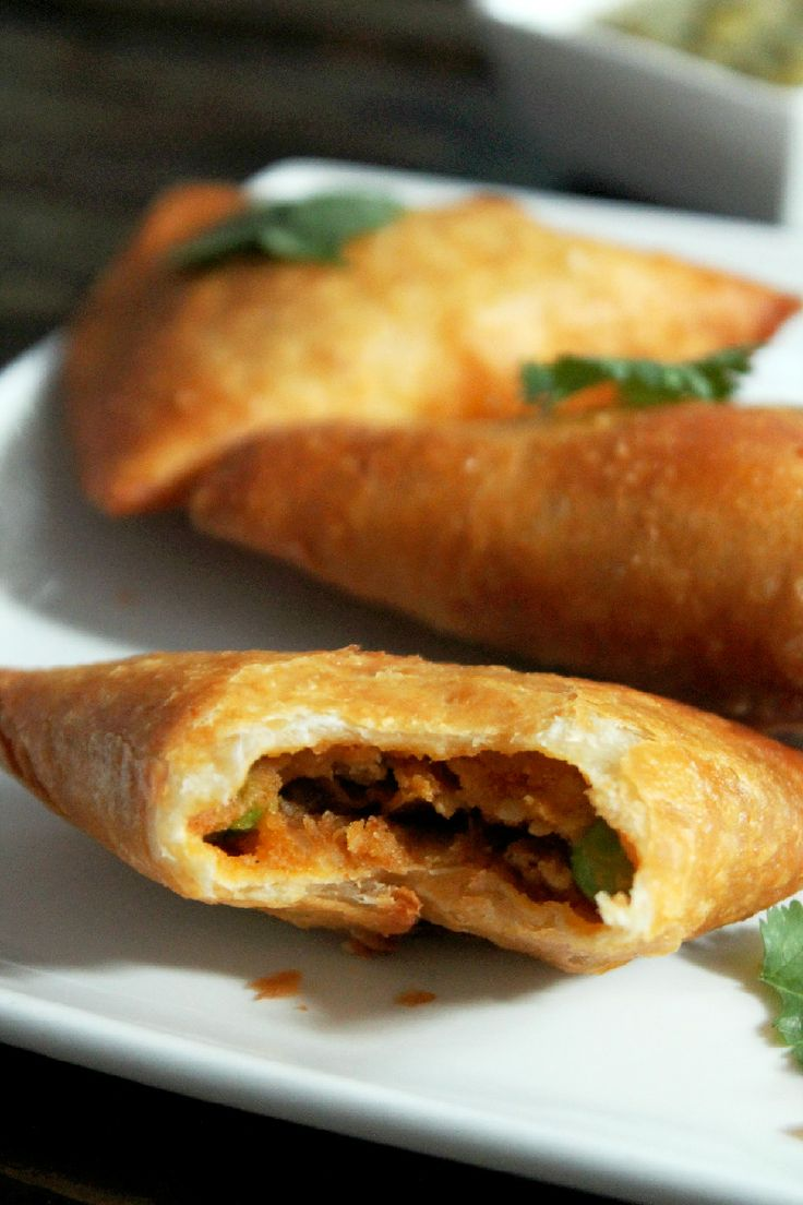 Pea and Potato Indian Samosas - I'm sure this will take a normal person longer than 25 min to prep and cook but it looks easy enough and worth a try!