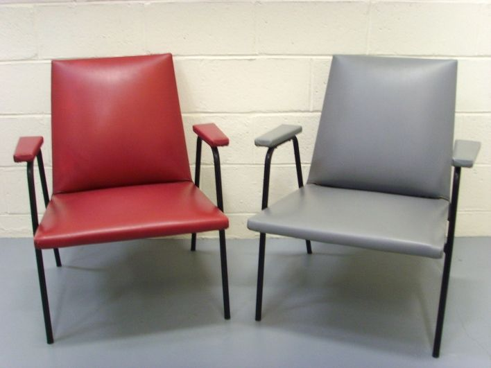 fauteuils robert de pierre guariche pour meurop meurop. Black Bedroom Furniture Sets. Home Design Ideas