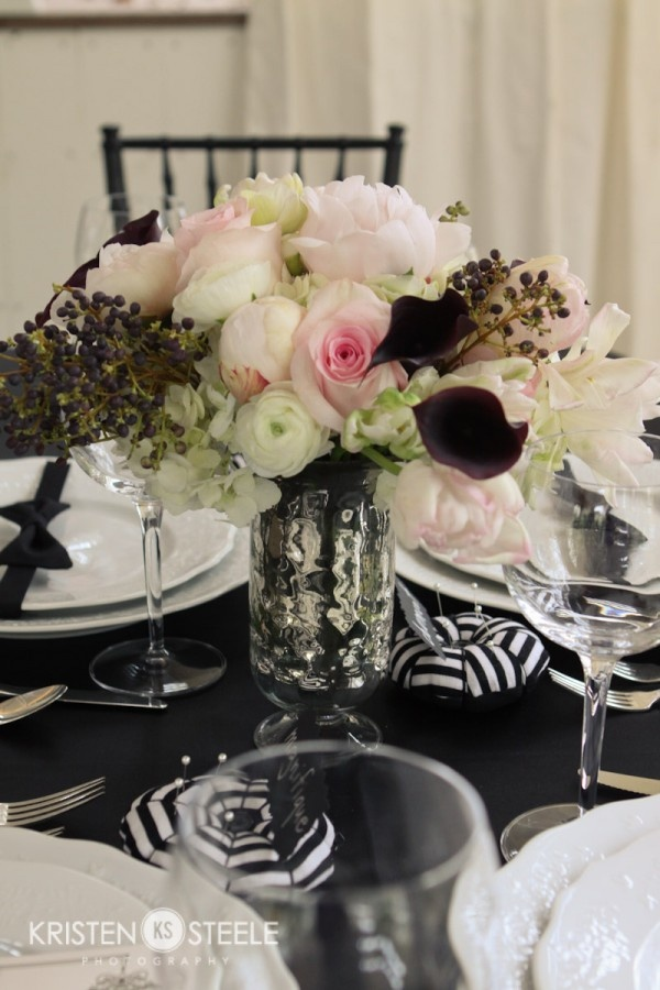 French Tablescape. love the centerpiece.