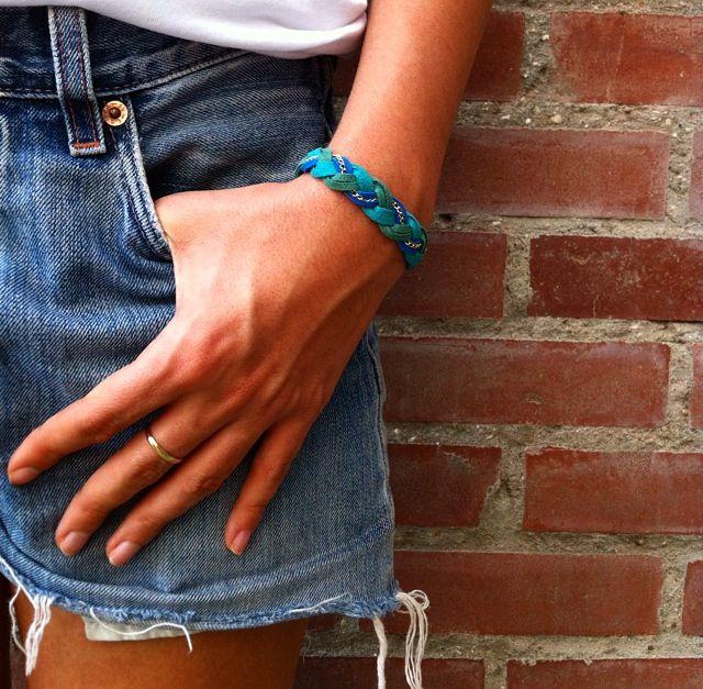 Bracelet by Lisa. / Les Très Tresses