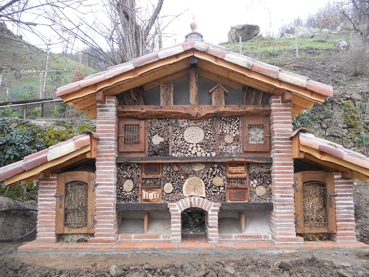 17 best images about h tel insectes bugs house on - Maison a insectes fabrication ...