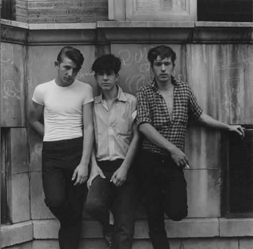 Teddy boys: These boys were part of the British youth. They wore men's clothing that was partly inspired by the Edwardian man.