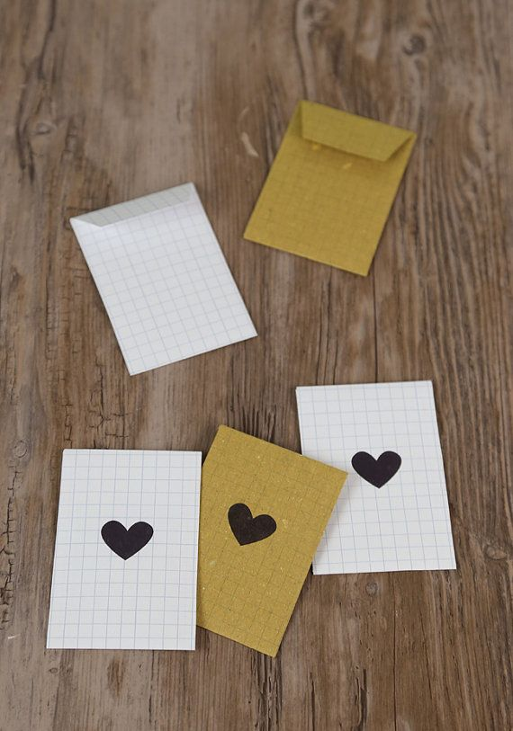 Piccole buste di carta con cuori set di 5 di ilgattogoloso su Etsy, €3.00